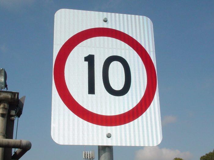 10km speed limit reflective aluminium sign on post